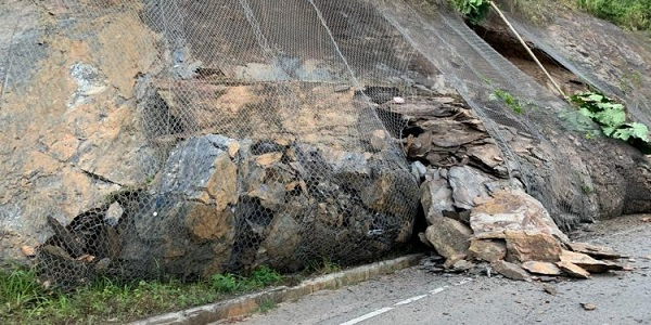 landslideaburi - Highways Minister